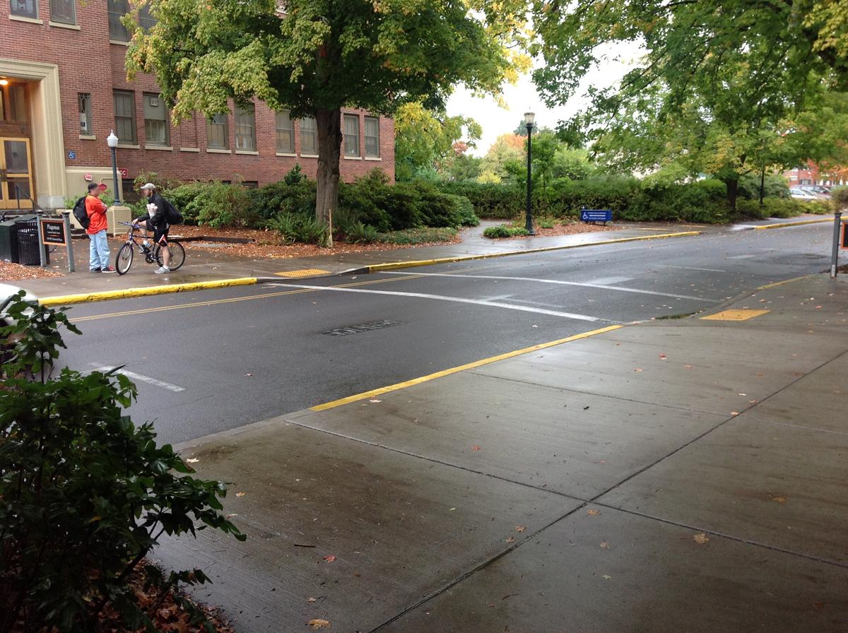 Weniger Sidewalks & Parking